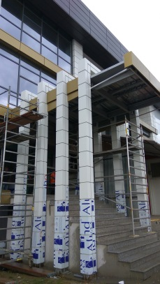 exterior acces - Refunctionalizare depozit tuica-vin in cladire de birouri - Razvan P. Botofan - Birou de arhitectura